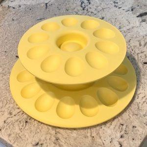 Tupperware 2 Tier Deviled Egg Holder Yellow